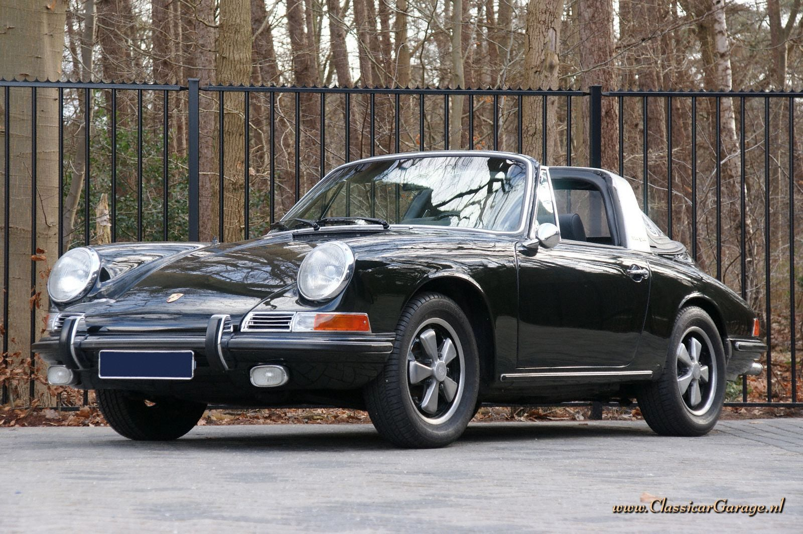 Porsche 911s Soft Window Targa 1967 Details