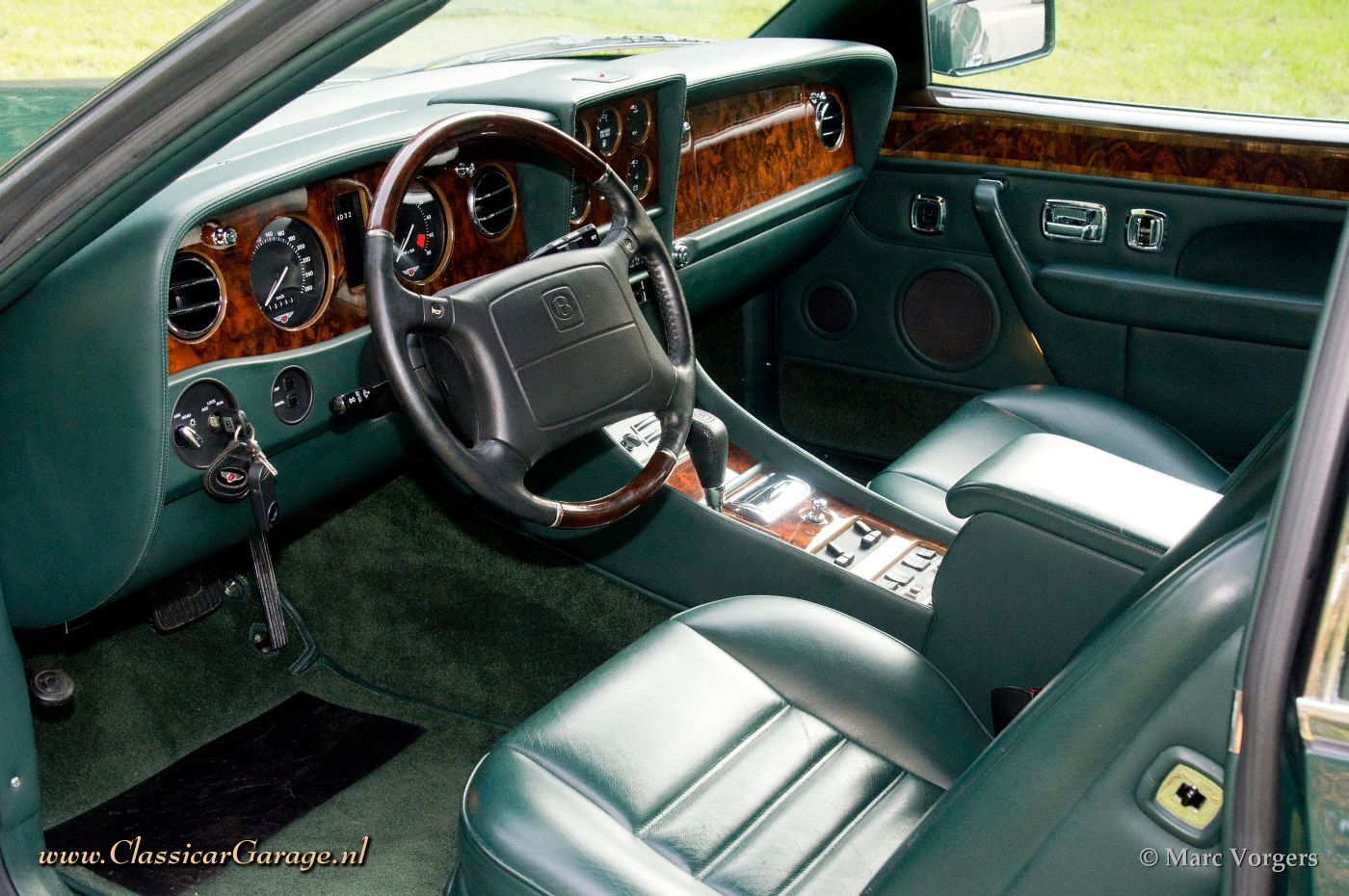 Bentley Continental R 1994 Details